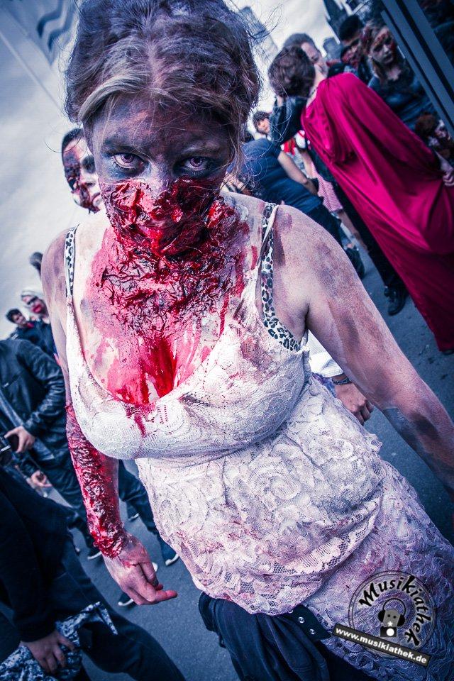 Die 23 coolsten Halloween Kostüme & Makeup zum Thema Zombie-11