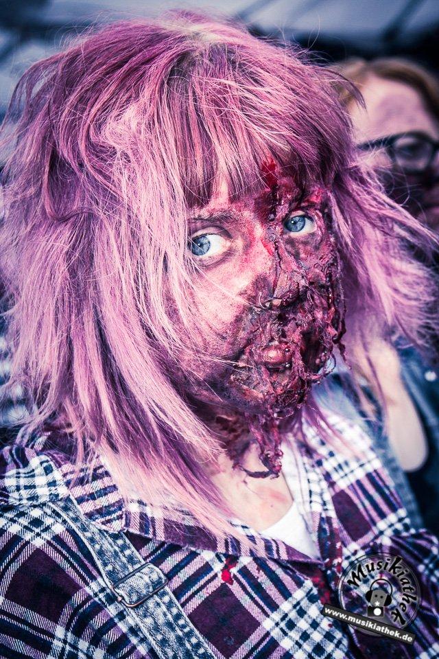 Die 23 coolsten Halloween Kostüme & Makeup zum Thema Zombie-12