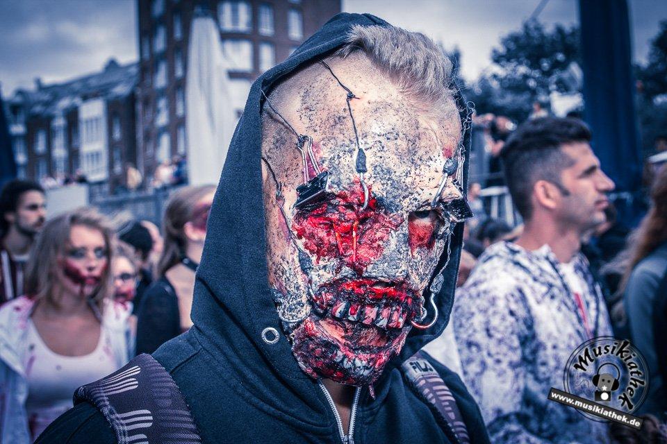 Die 23 coolsten Halloween Kostüme & Makeup zum Thema Zombie-13