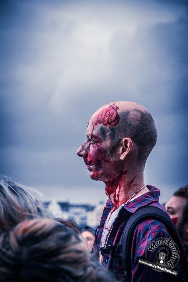 Die 23 coolsten Halloween Kostüme & Makeup zum Thema Zombie-14