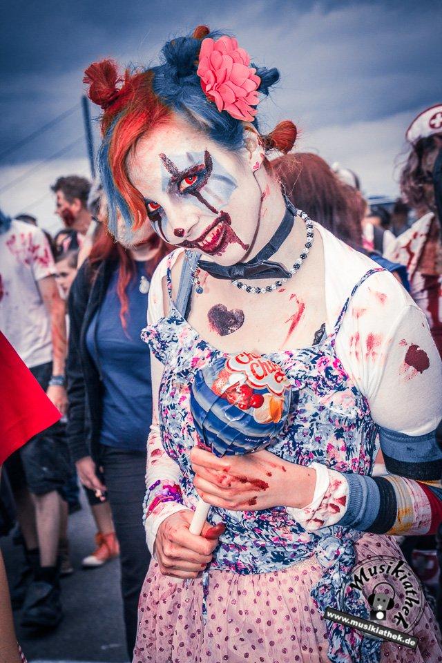 Die 23 coolsten Halloween Kostüme & Makeup zum Thema Zombie-19