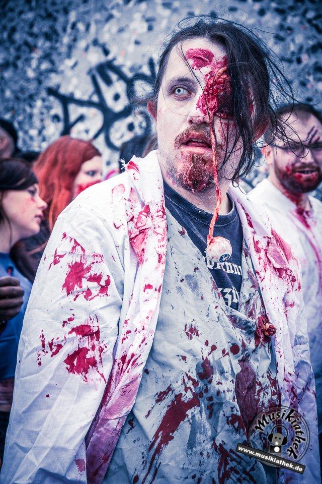 Die 23 coolsten Halloween Kostüme & Makeup zum Thema Zombie-2