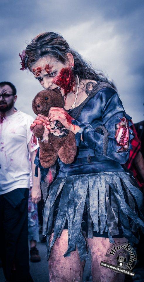 Die 23 coolsten Halloween Kostüme & Makeup zum Thema Zombie-20