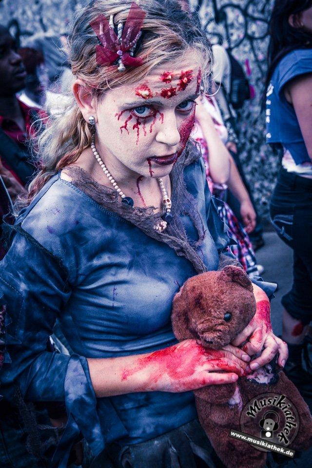 Die 23 coolsten Halloween Kostüme & Makeup zum Thema Zombie-3
