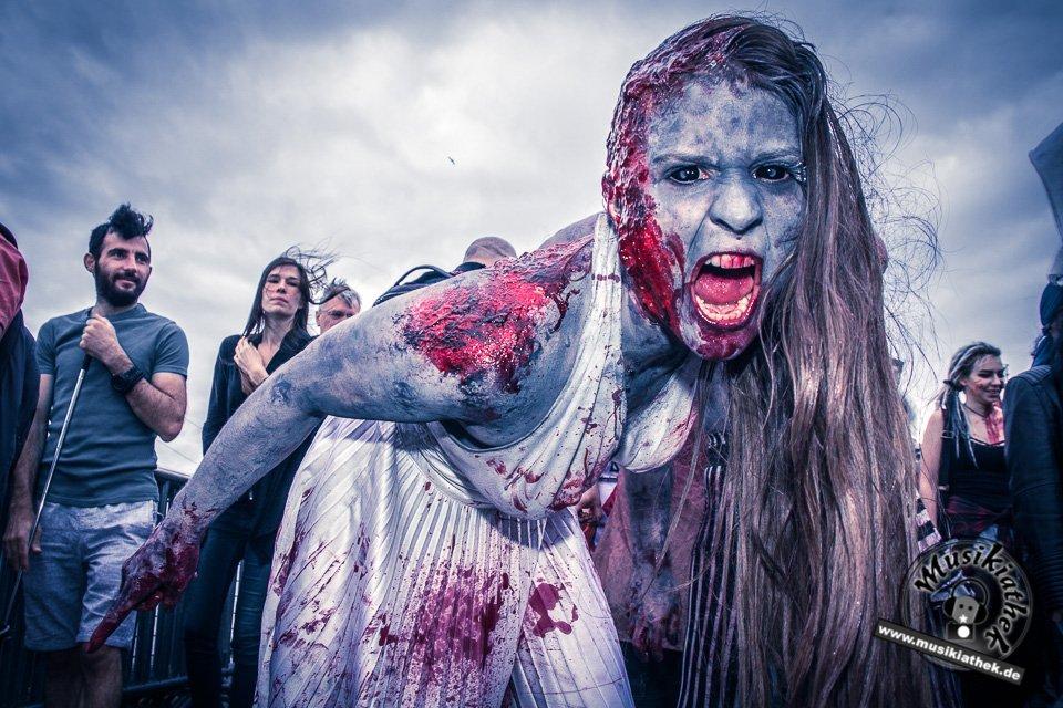 Die 23 coolsten Halloween Kostüme & Makeup zum Thema Zombie-5
