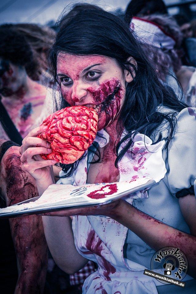 Die 23 coolsten Halloween Kostüme & Makeup zum Thema Zombie-6