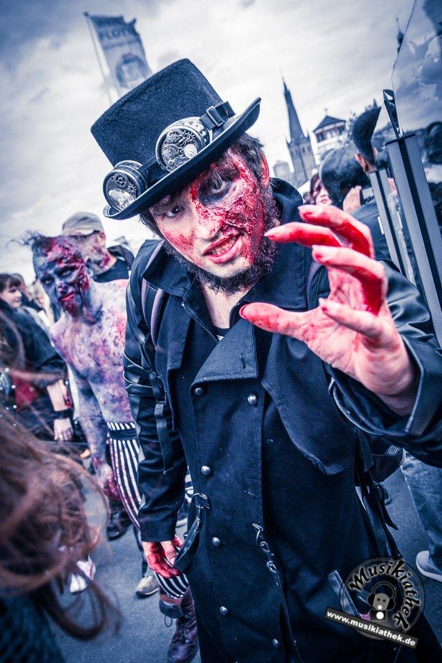 Die 23 coolsten Halloween Kostüme & Makeup zum Thema Zombie-8