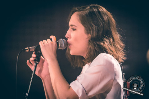 Live: Alice Merton (Support Hayden Calnin) – New Fall Festival Düsseldorf – 17.11.2017