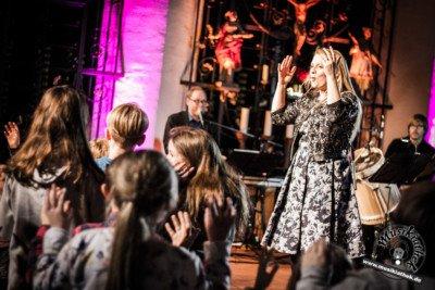 PatriciaKelly Hövelhof 0004 400x267 - Live: Patricia Kelly - St. Johannes Nepomuk - 15.12.2017