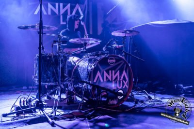 Anna Lux-3