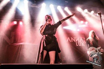 Anna Lux-35