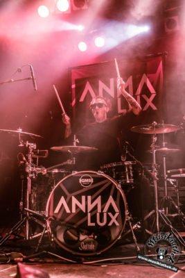 Anna Lux-36