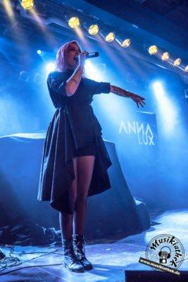 Anna Lux-4