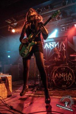 Anna Lux-40
