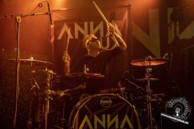 Anna Lux-41