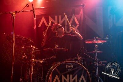 Anna Lux-43