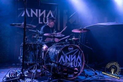 Anna Lux-8