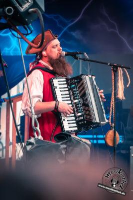 Mr Hurley & Die Pulveraffenl by David Hennen, Musikiathek-5