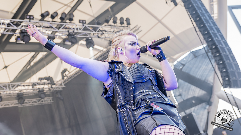 Battle Beast Rockfels-2