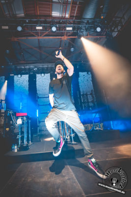 Mike Shinoda by David Hennen, Musikiathek-12