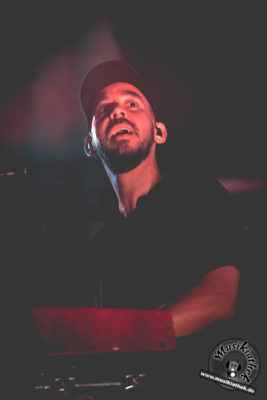 Mike Shinoda by David Hennen, Musikiathek-49