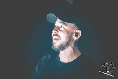 Mike Shinoda by David Hennen, Musikiathek-8