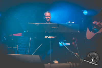 Die Happy by David Hennen, Musikiathek-9