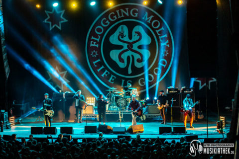 Live / Fotos: Flogging Molly (Support: Buster Shuffle) – Palladium Köln – 18.01.2019