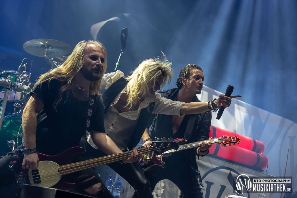 Kissin Dynamite - Mitsubishi Electric Halle Düsseldorf - 25. Januar 2019 - 018 Musikiathek midRes