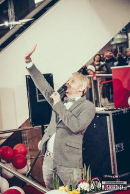 Ross Antony by David Hennen, Musikiathek-11
