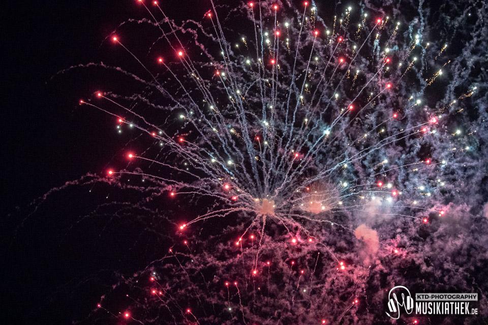 Feuerwerk - Unter Schwarzer Flagge - 11. Mai 2019 - 013 Musikiathek midRes