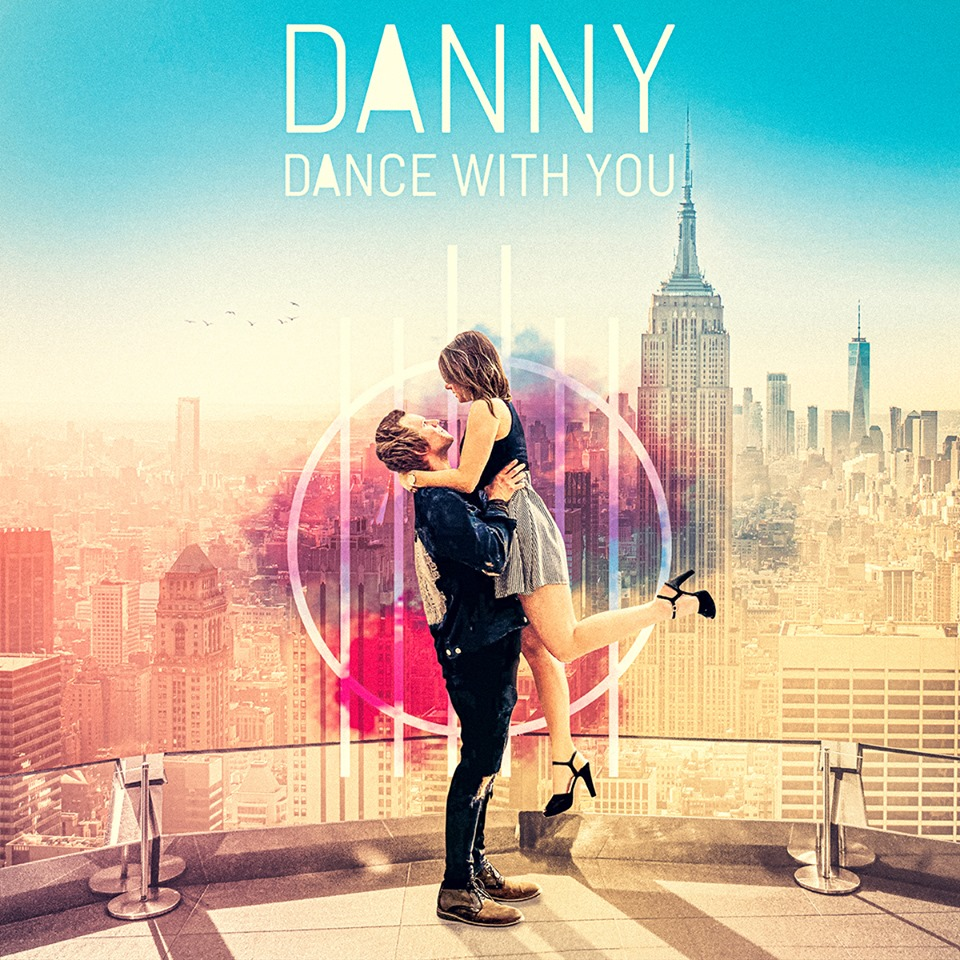 "Videopremiere: DANNY mit seiner neuen Single ""Dance With You"""
