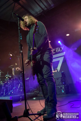 Devour The Day - Carlswerk Victoria - 08. Dezember 2019 - 017 Musikiathek midRes