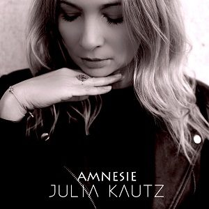 julia kautz Amnesie EP Cover klein 300x300 - JULIA KAUTZ veröffentlicht ihre EP »Amnesie« am 28.11.2020